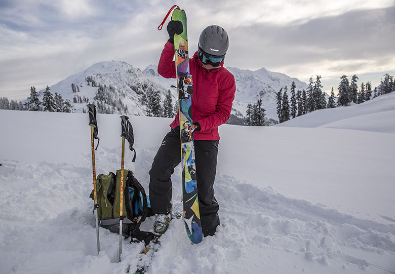 791001f68 Black Diamond First Light Hoody Review | Switchback Travel