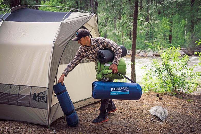 C&ing mats & Best Camping Mattresses and Pads of 2019 | Switchback Travel