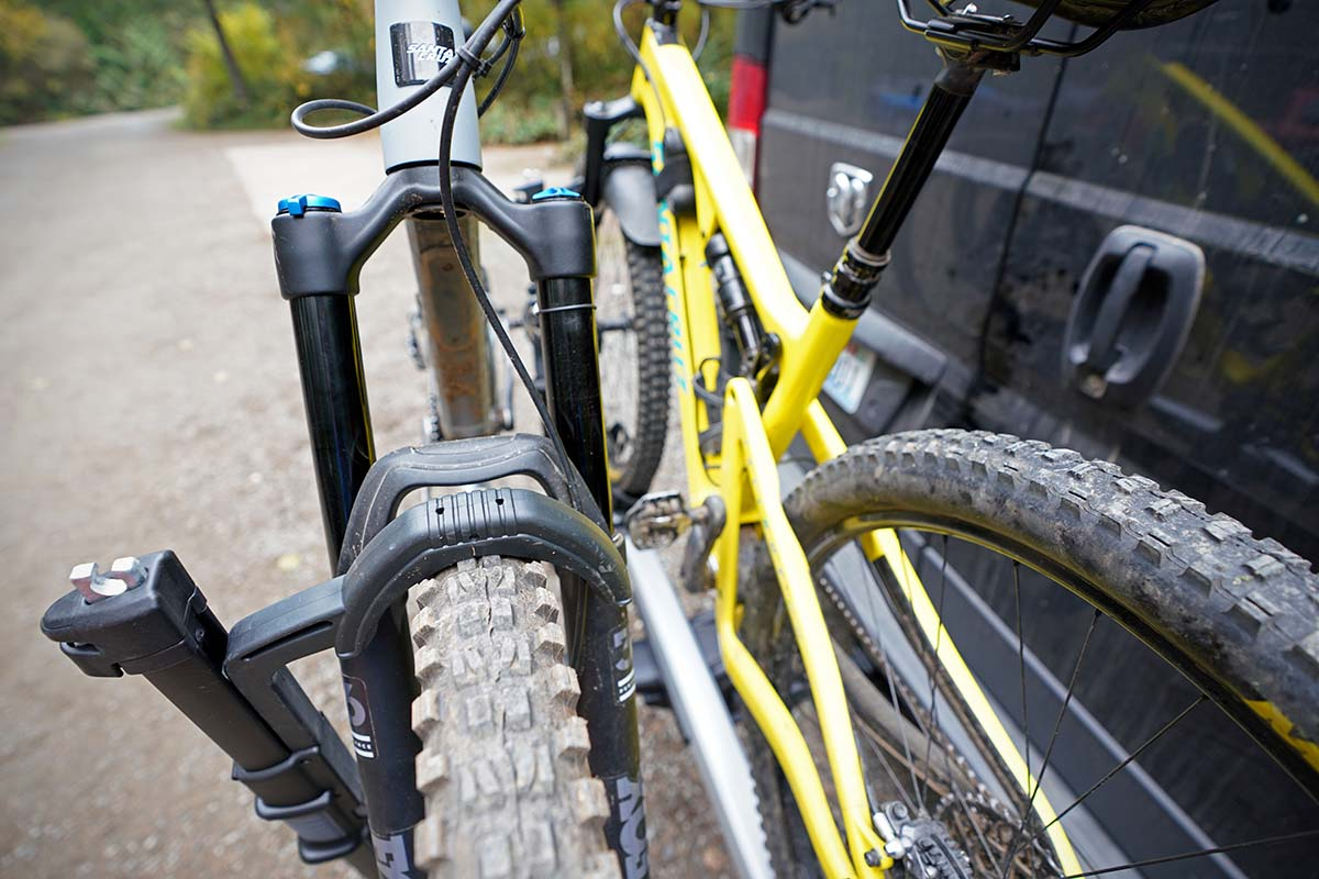 Thule T2 Pro (primer plano de las bicicletas)