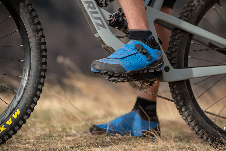 Mountain Bike Shoe (Shimano ME7 clipped in)