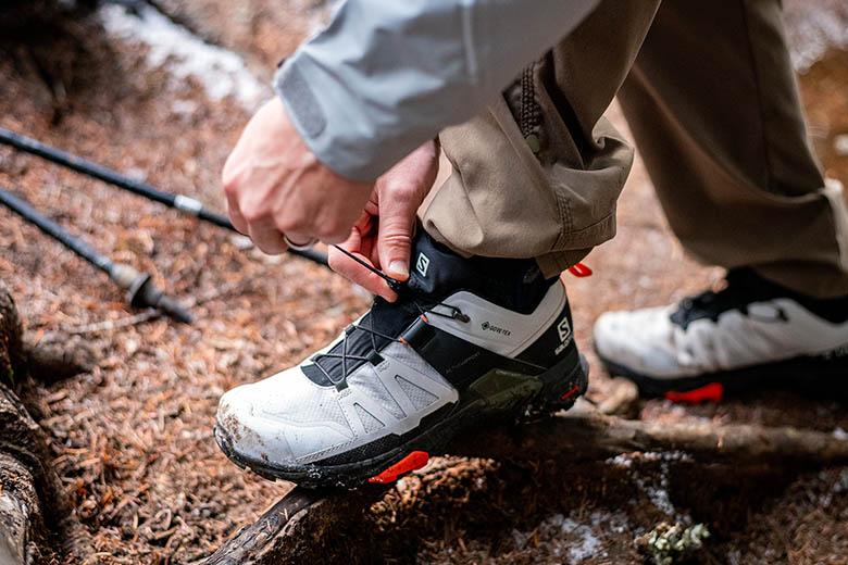 Salomon Mens X Ultra 4 Mid GTX Hiking Shoe