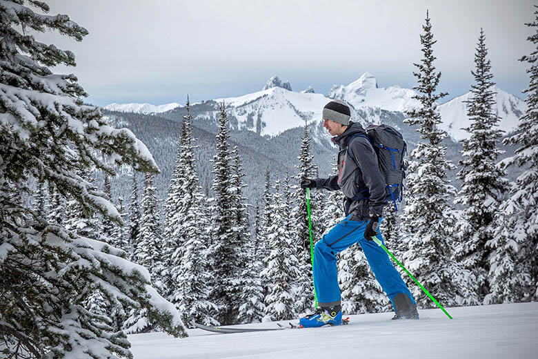 Best Ski Backpacks For All Budgets in 2020 | Expert World Travel