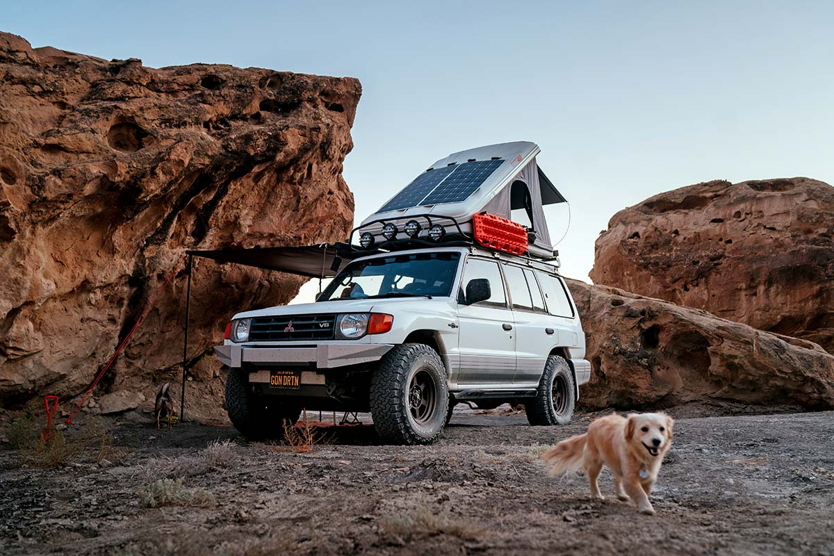 Awning on Roofnest Sparrow Eye rooftop tent