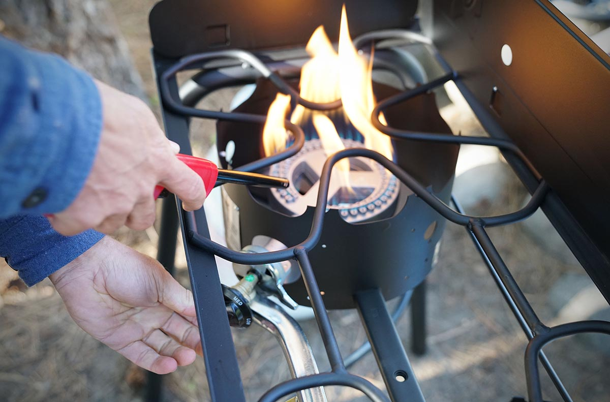 Camping stove (ignition)