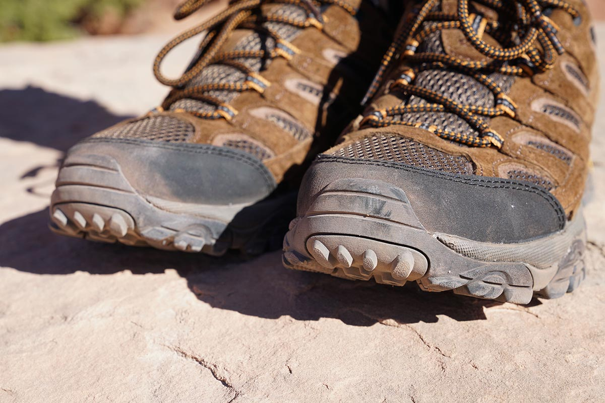 Hiking shoes (toe protection)