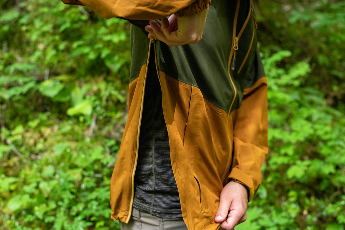Rain jacket (Outdoor Research Foray side zips)