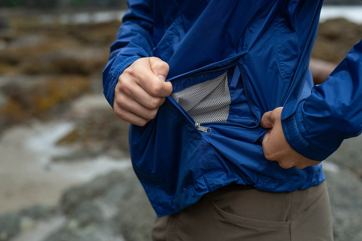 Rain jacket (Marmot PreCip Eco pocket)