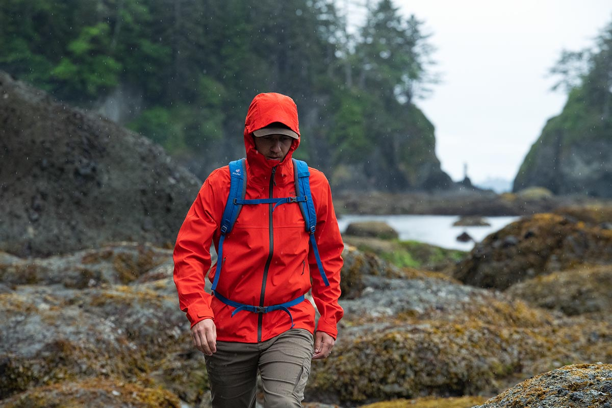 Rain jacket (TNF Apex Flex 3.0 hiking)