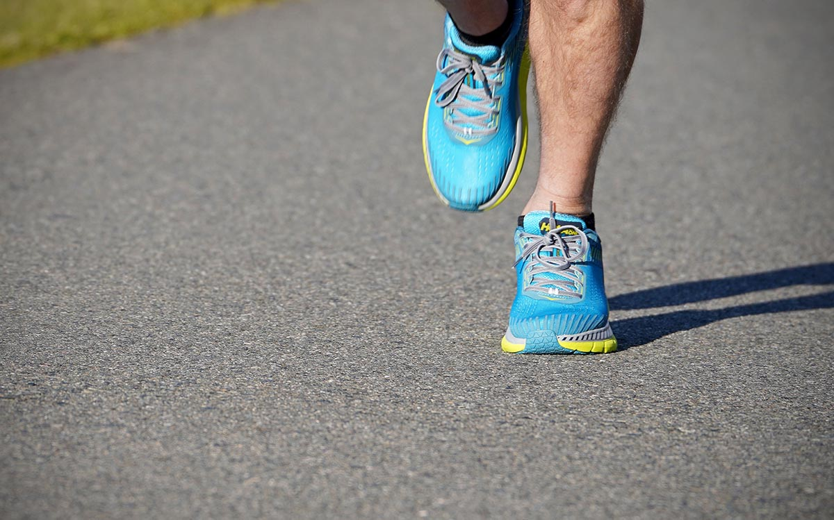 Running shoes (pronation)