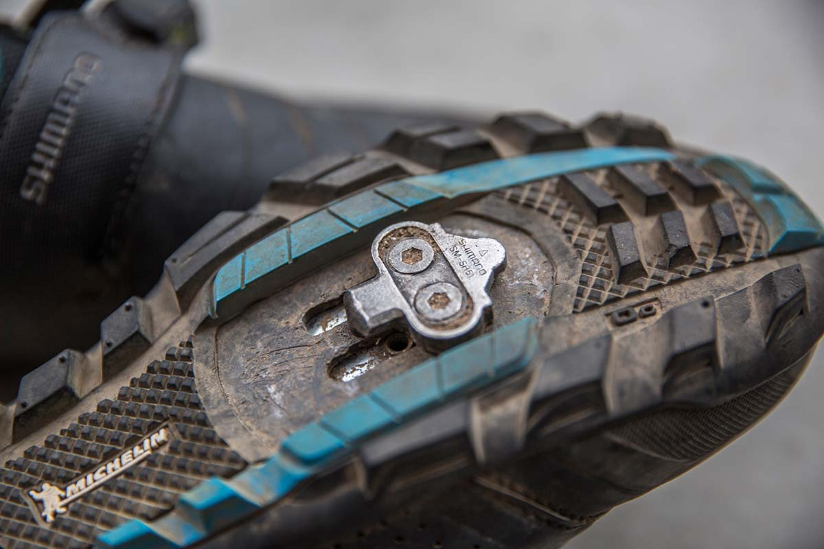 Clipless shoe (cleat)