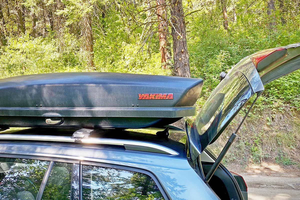 Rooftop cargo box hatch clearance (Yakima SkyBox 16 Carbonite)