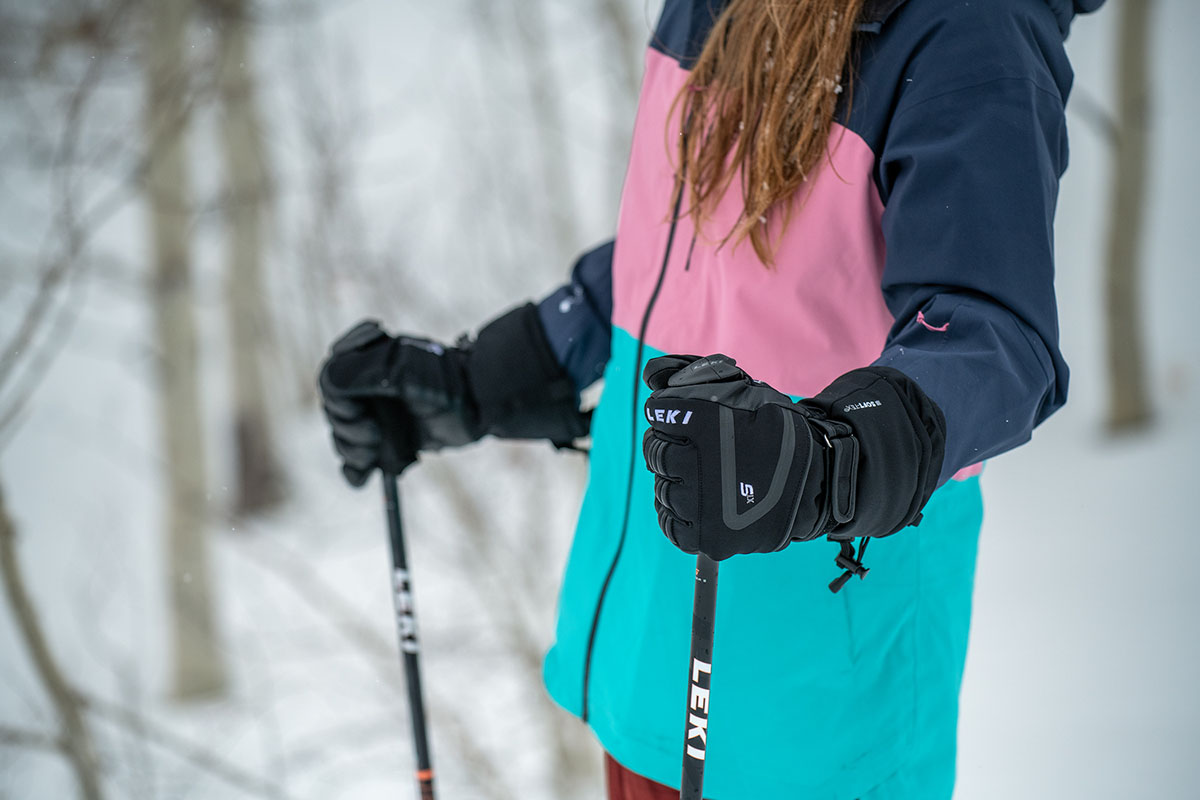Ski gloves (holding poles with Leki gloves)