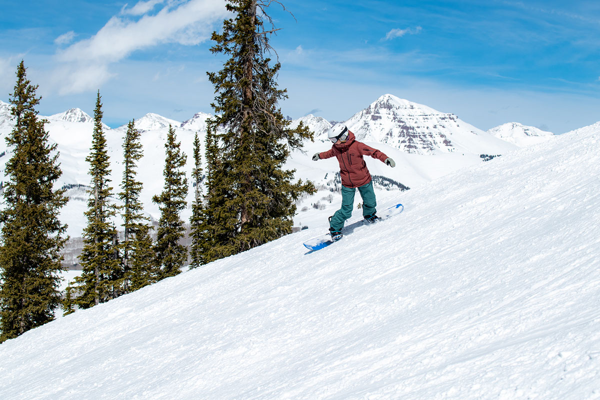 All-mountain snowboard (mountain backdrop in Crested Butte)