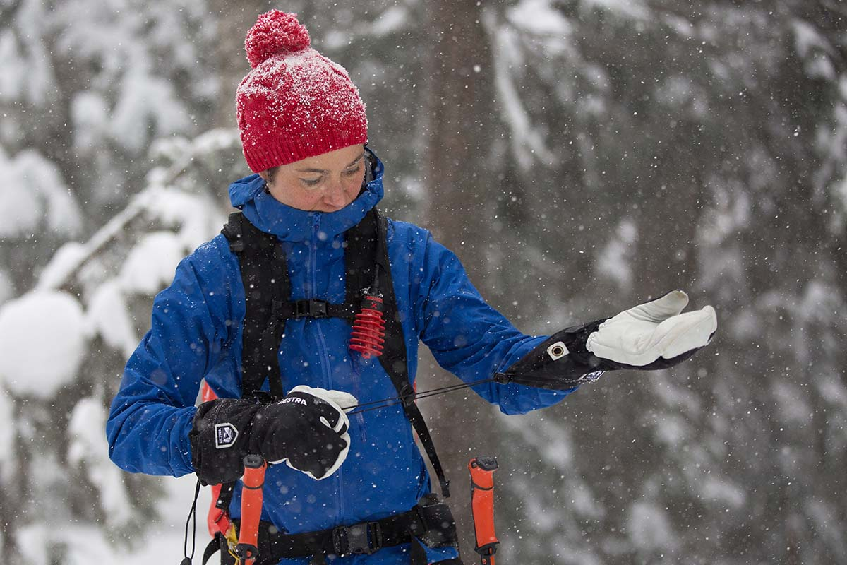 Backcountry Skiing Checklist (gloves 2)