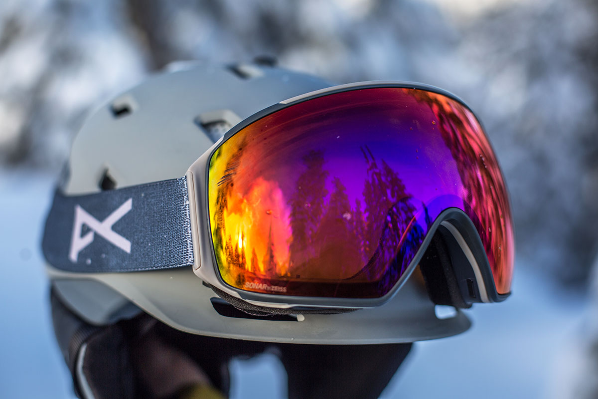 Anon M4 Toric MFI snow goggles (close up)