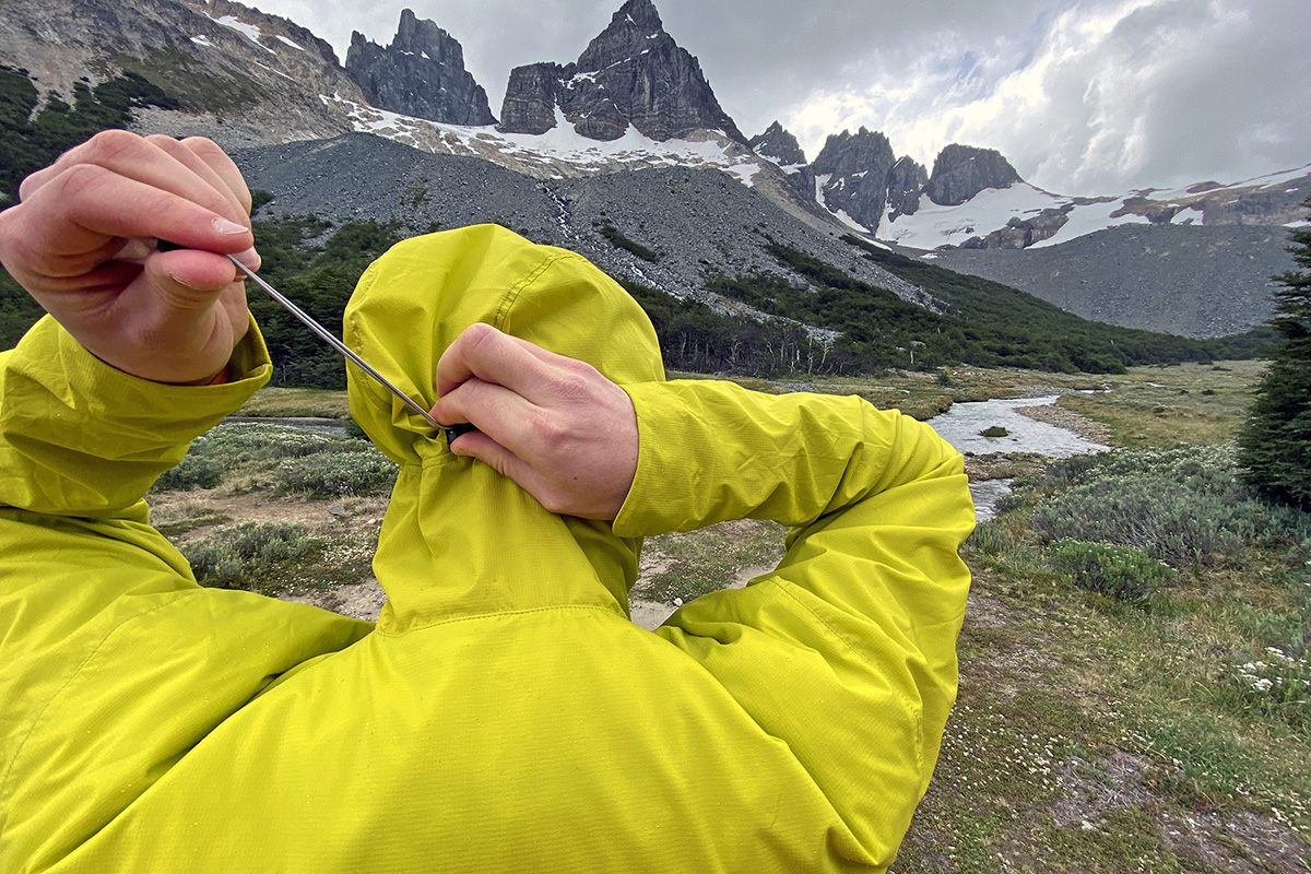 Arc'teryx Atom SL Hoody synthetic jacket (tightening rear hood adjustment)