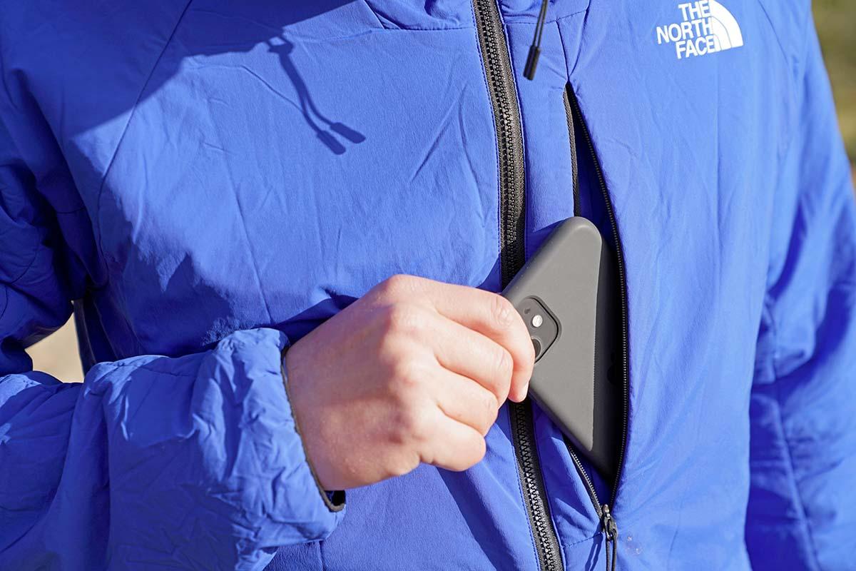 Chaqueta con aislamiento sintético The North Face Ventrix Hoodie (bolsillo en el pecho)