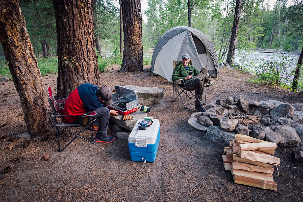What People Need to Know About Camping Tent