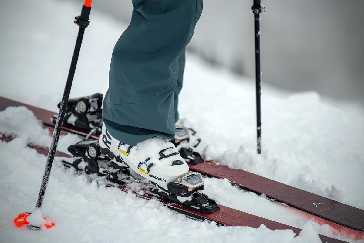 All-mountain skis (stepping into binding)