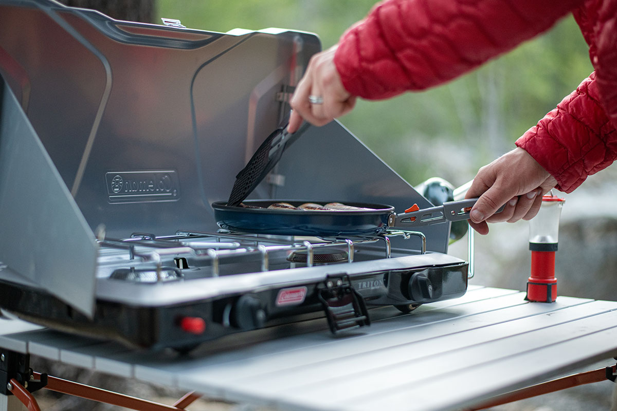 Camping stoves (cooking breakfast)