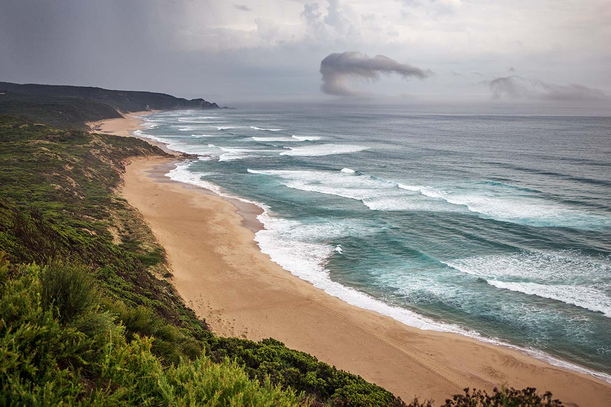Great Ocean Walk (whispy clouds along coastline)