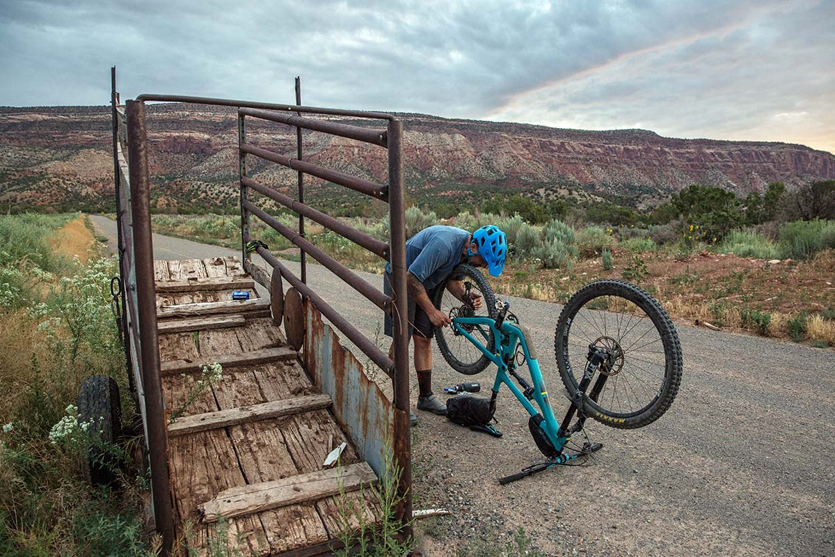 Bikepacking repair in Utah