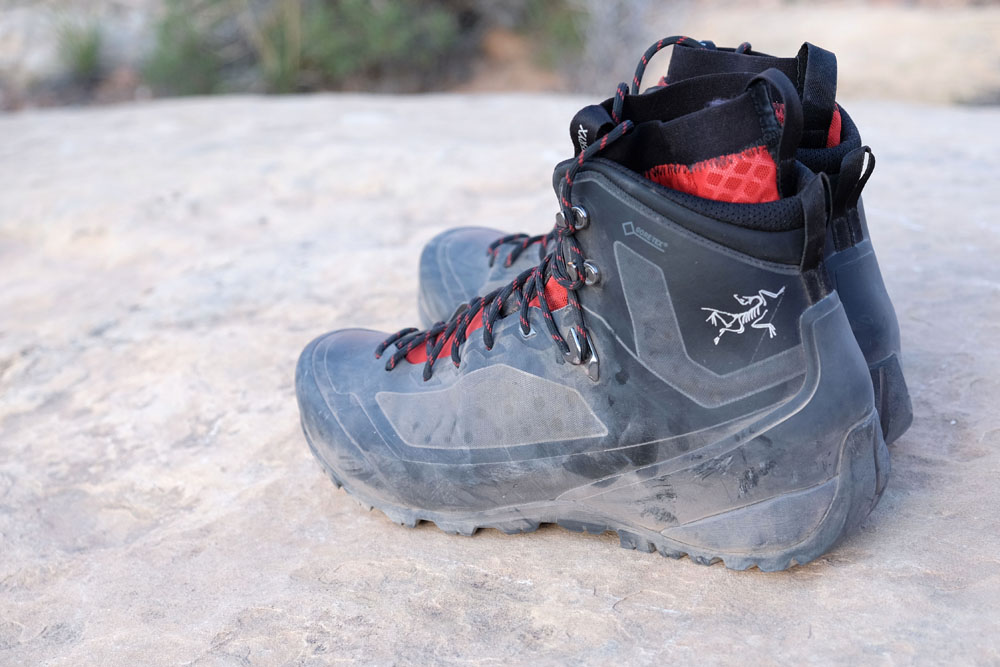 Arc'teryx Bora2 GTX Mid Hiking Boots back