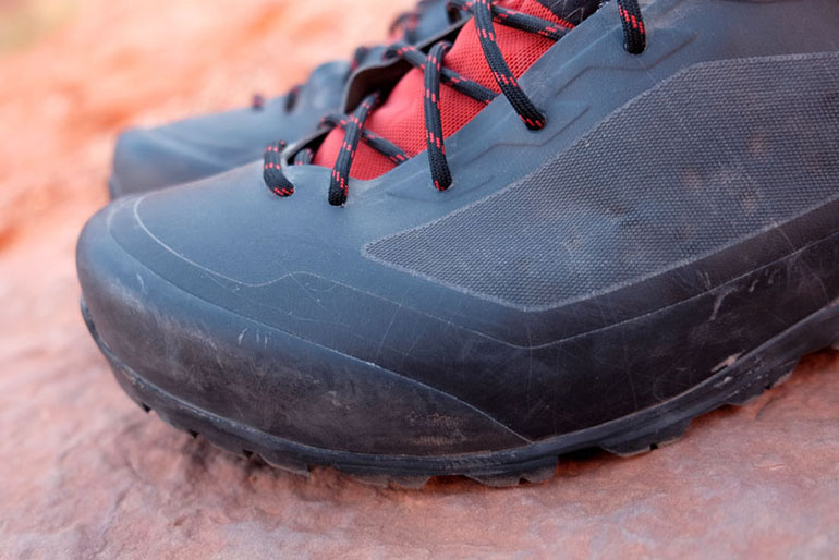 Arc'teryx Bora2 GTX Mid hiking boot toe