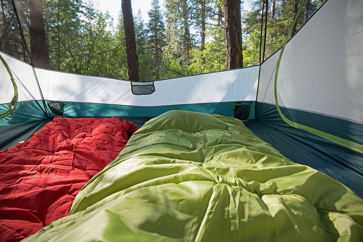 Camping sleeping bag (cozy)