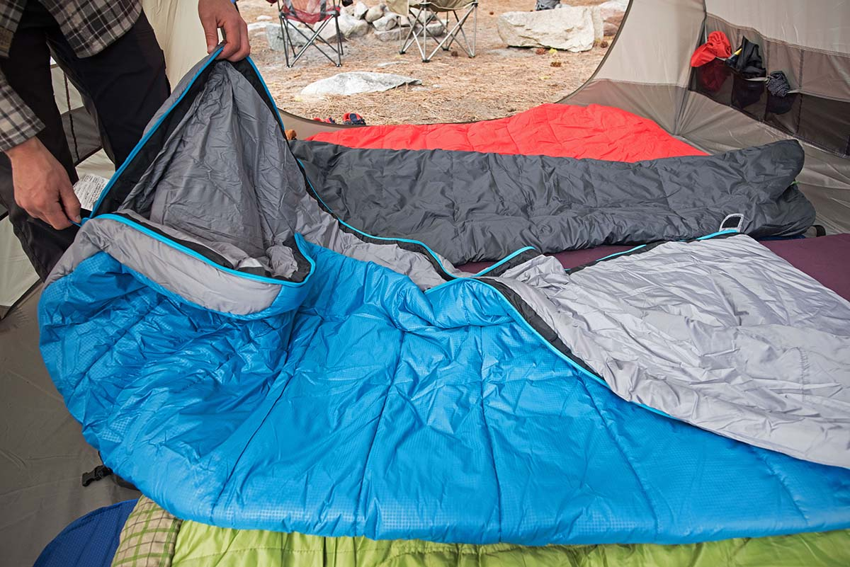 Camping sleeping bag (zipper)