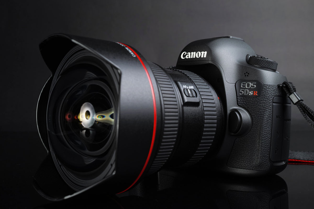 Canon 5DS R with lens