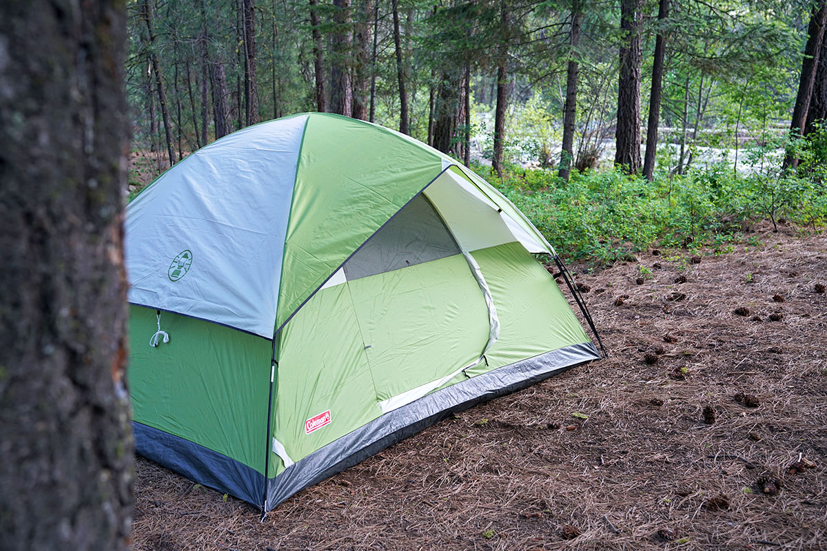 Coleman Sundome camping tent (camp site)