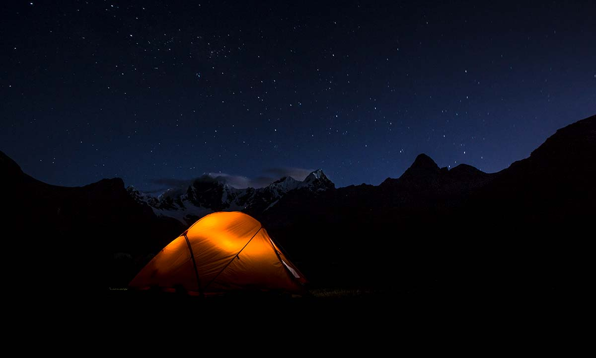Cordillera Huayhuash (tent at night)