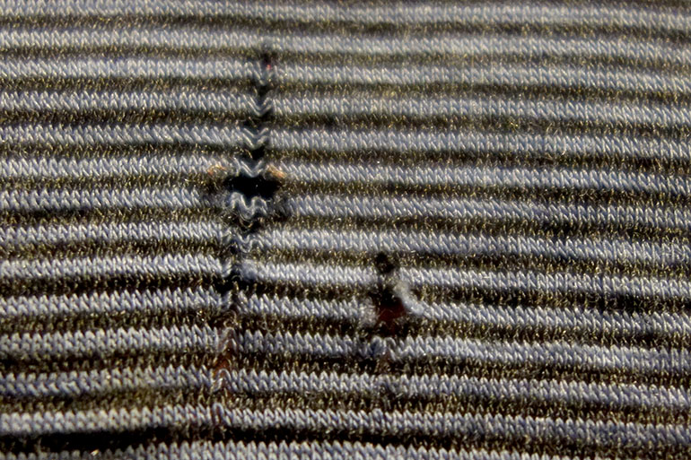 Merino wool (hole)
