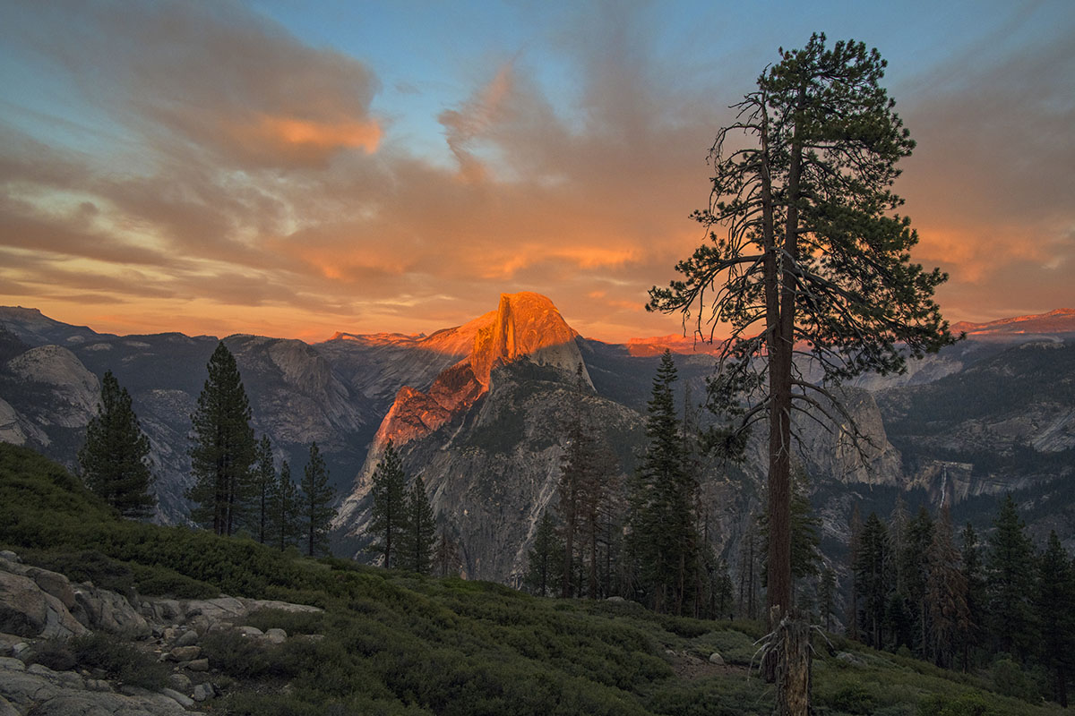 Nikon D850 (Yosemite sunrise)