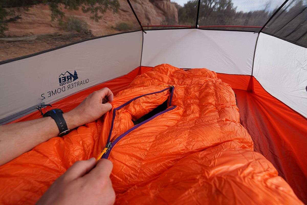 Patagonia 850 Down Sleeping Bag (zipper open)