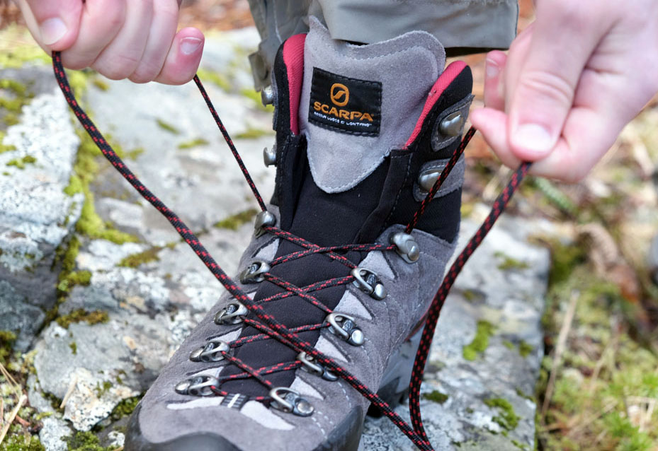 Scarpa R-Evolution GTX Hiking Boots laces