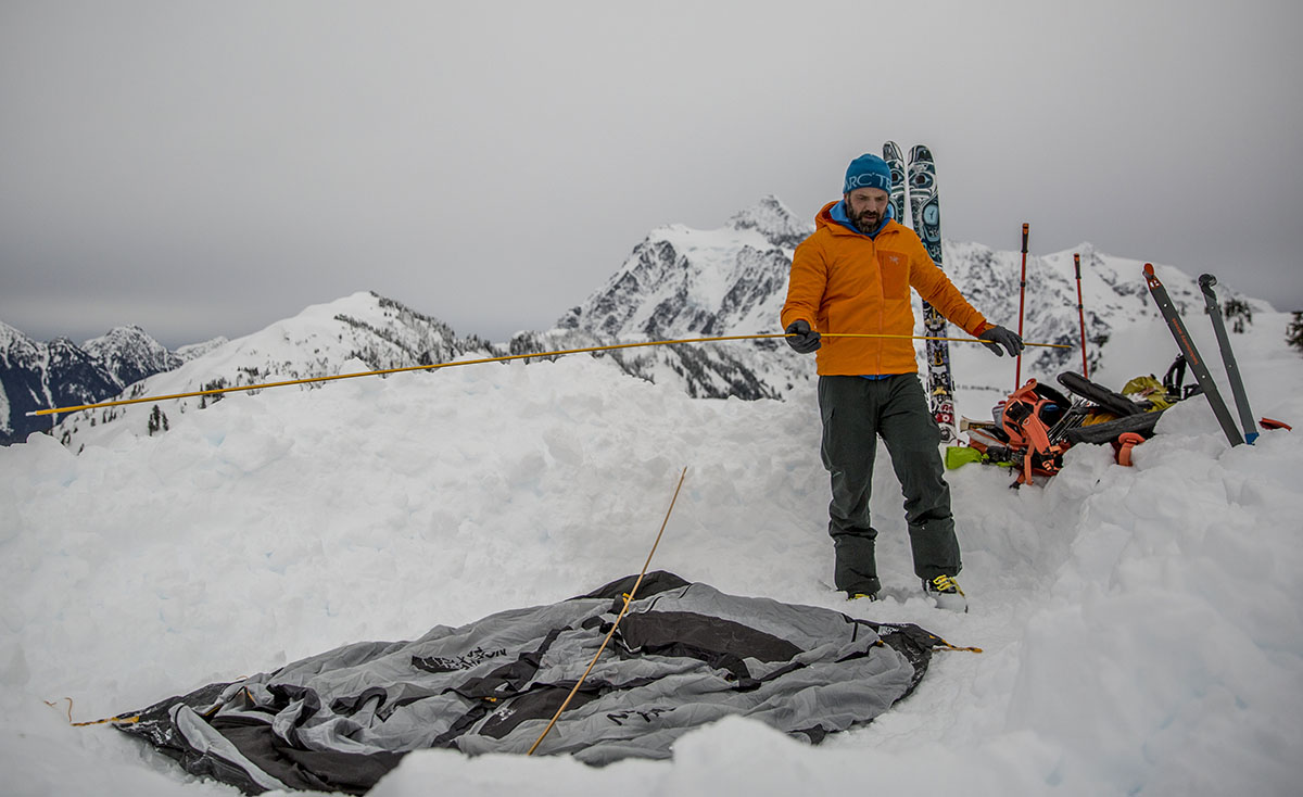 The North Face Mountain 25 (poles setup)