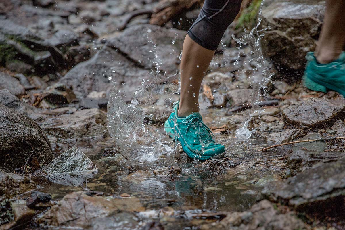 Trail-running shoes (water)