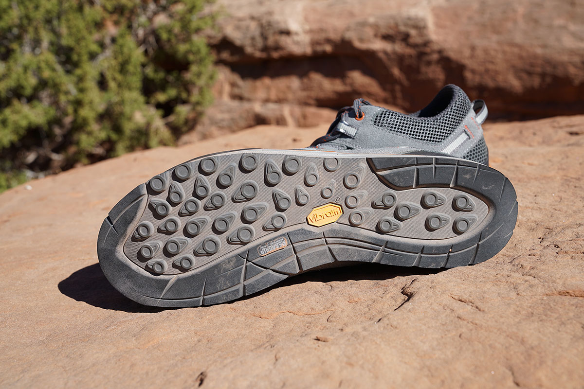 Vasque Grand Traverse (tread)