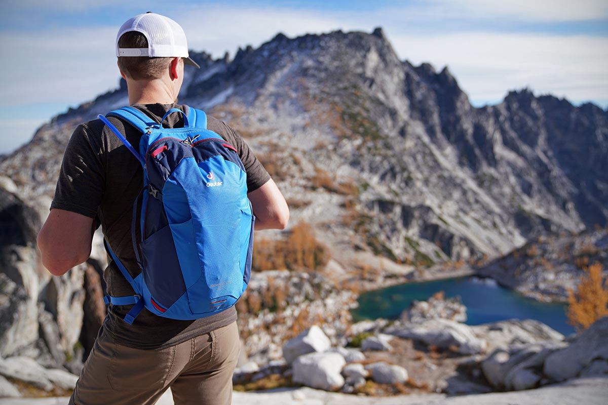 Best Daypacks for Hiking of 2019  393e1ea0862cf