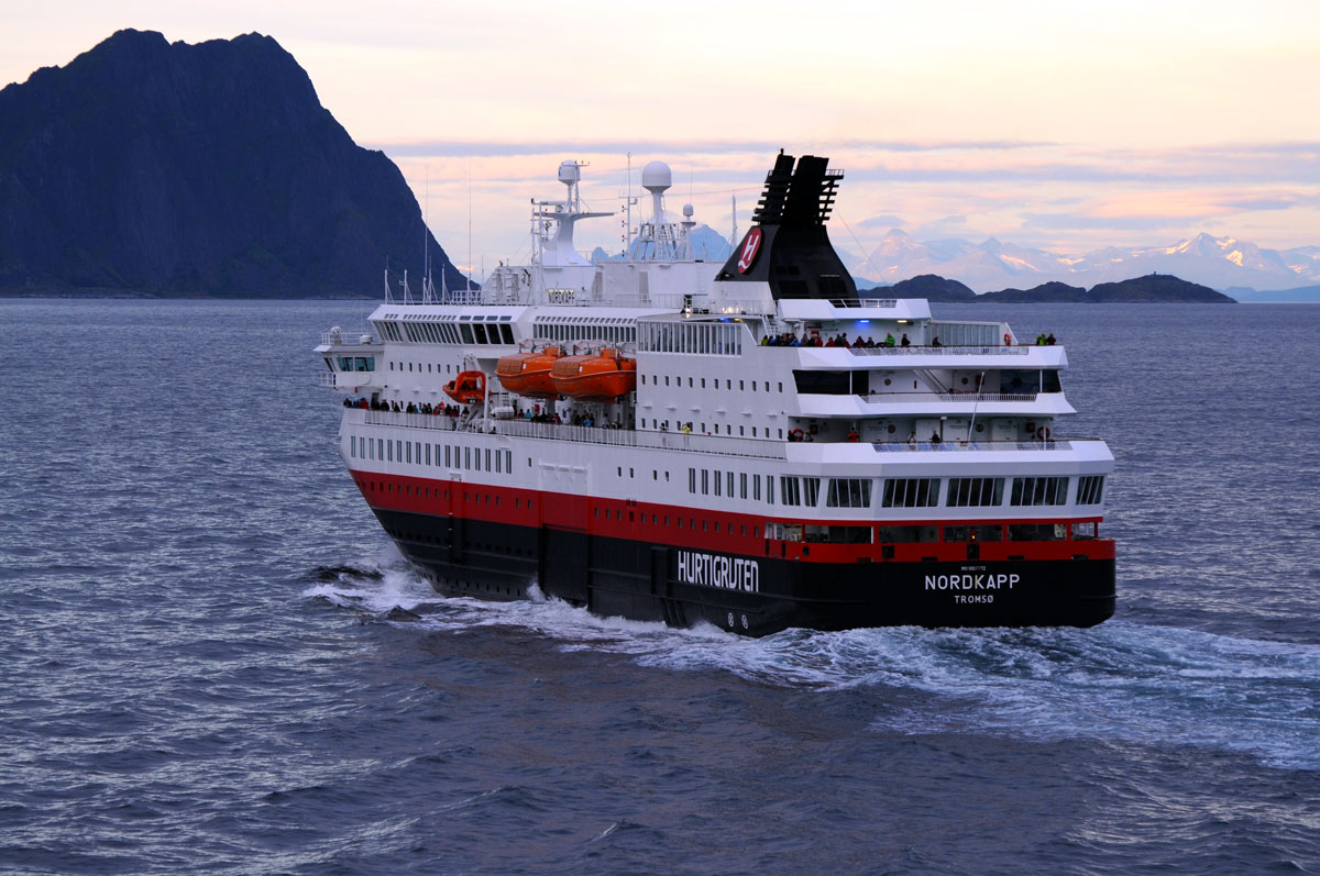 Hurtigruten to Lofoten