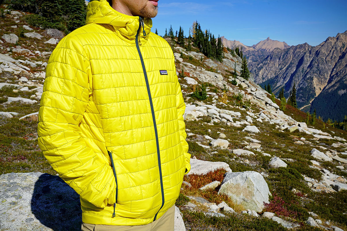 Review Patagonia Nano Puff Hoody Switchback Travel