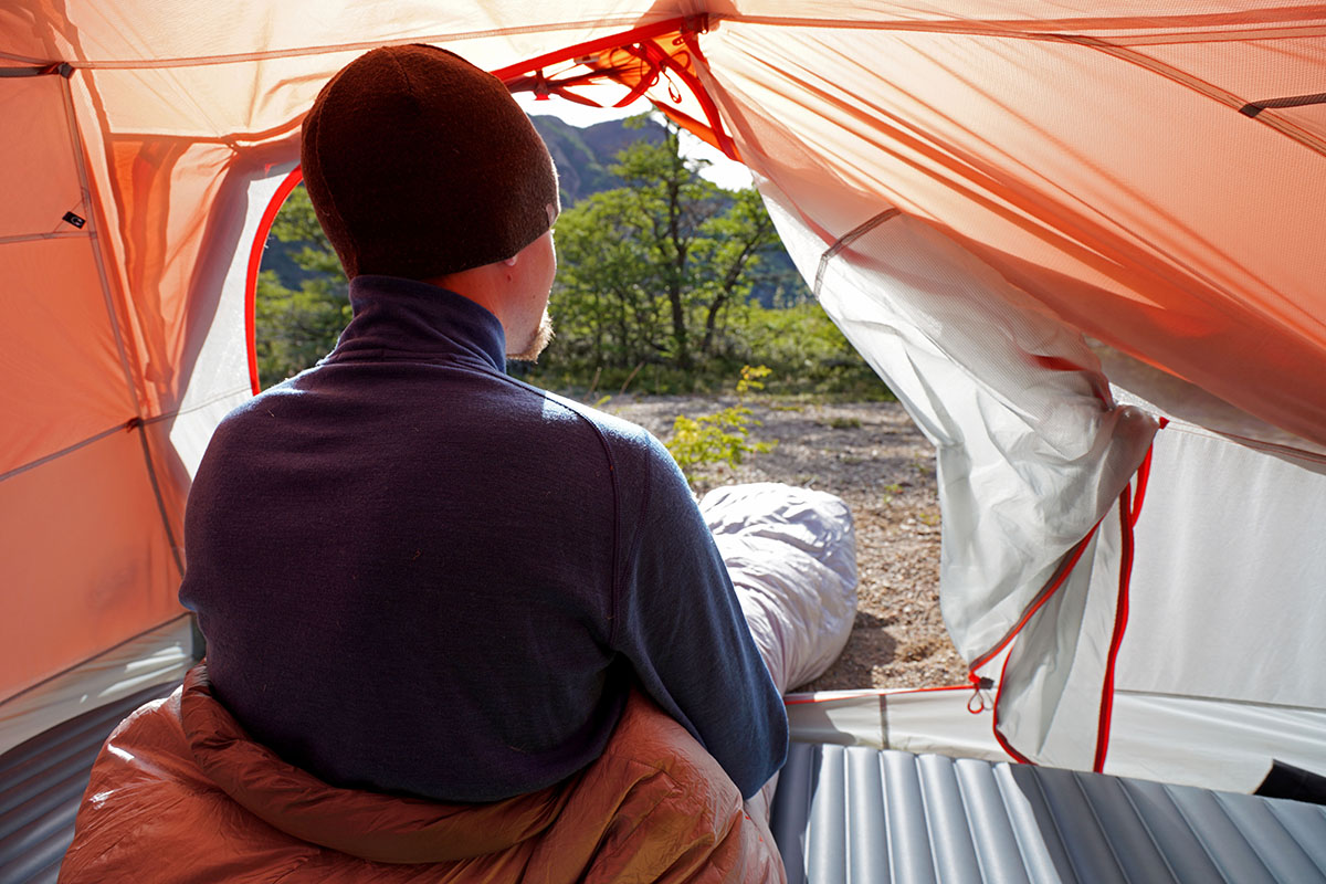 Big Agnes Copper Spur backpacking tent (waking up in morning)