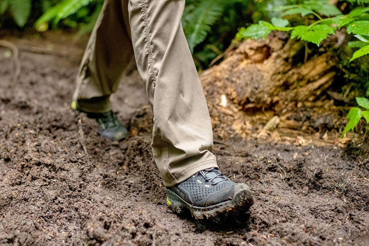 La Sportiva Spire GTX (closeup walking in mud)