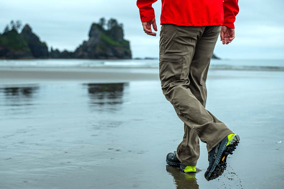 La Sportiva Spire GTX (walking on beach in wet sand)