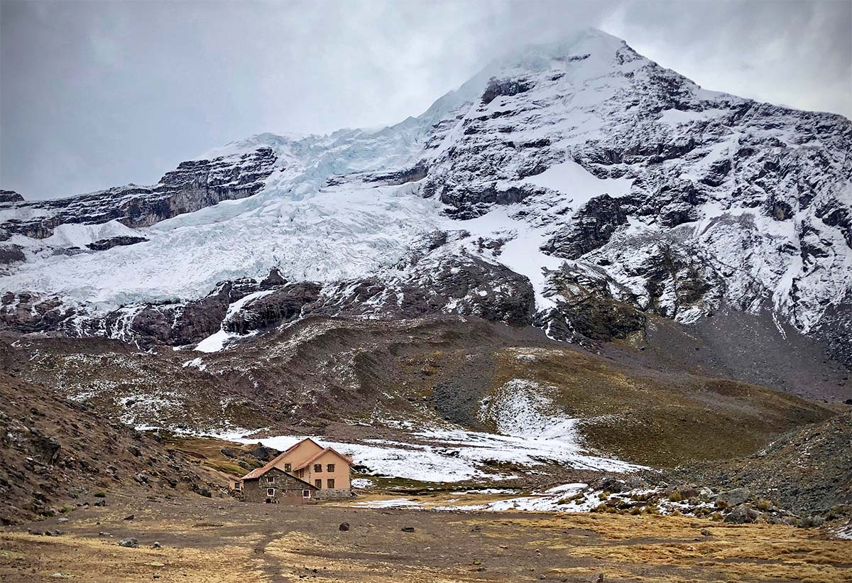 Mountain lodge (Ausangate Trek)