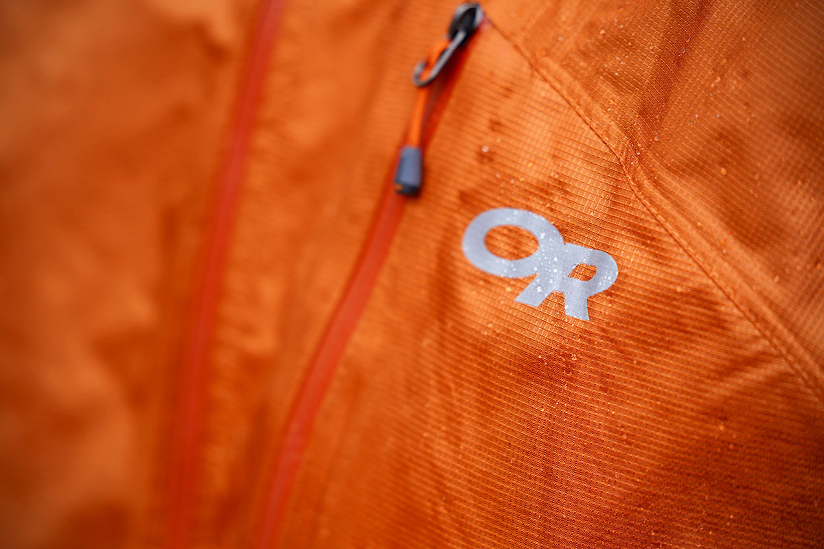 Outdoor Research Helium rain jacket (chest logo)