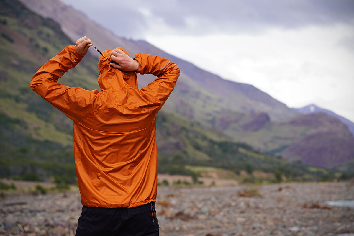 Outdoor Research Helium rain jacket (hood adjustment)
