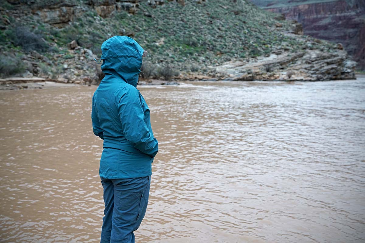Patagonia Calcite jacket (standing by river)